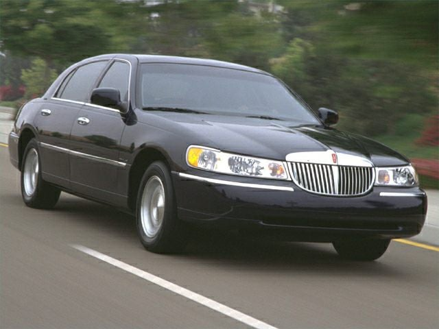 2000 Lincoln Town Car Signature In Pataskala Oh Coughlin Chevrolet Of